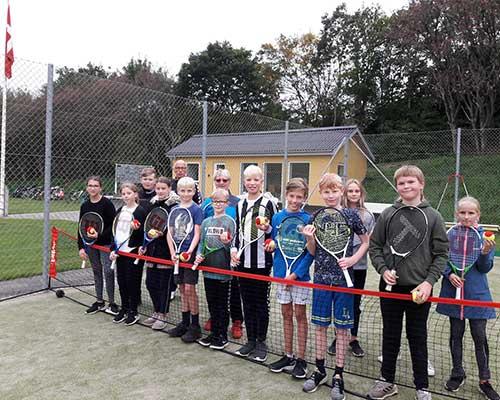 110 elever fra Møllehøjskolen spillede tennis og lavede o-løb i skoletiden